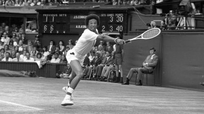 Tennis – Wimbledon – Men's Singles Final – Jimmy Connors v Arthur Ashe – Centre Court