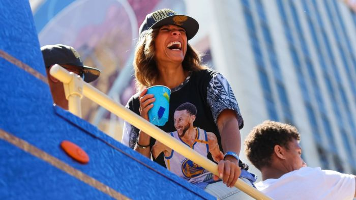 e52c4dbdcfee79 Sonya Curry during the Golden State Warriors' victory parade on June 12,  2018, in Oakland, California. The Warriors beat the Cleveland Cavaliers 4-0  to win ...