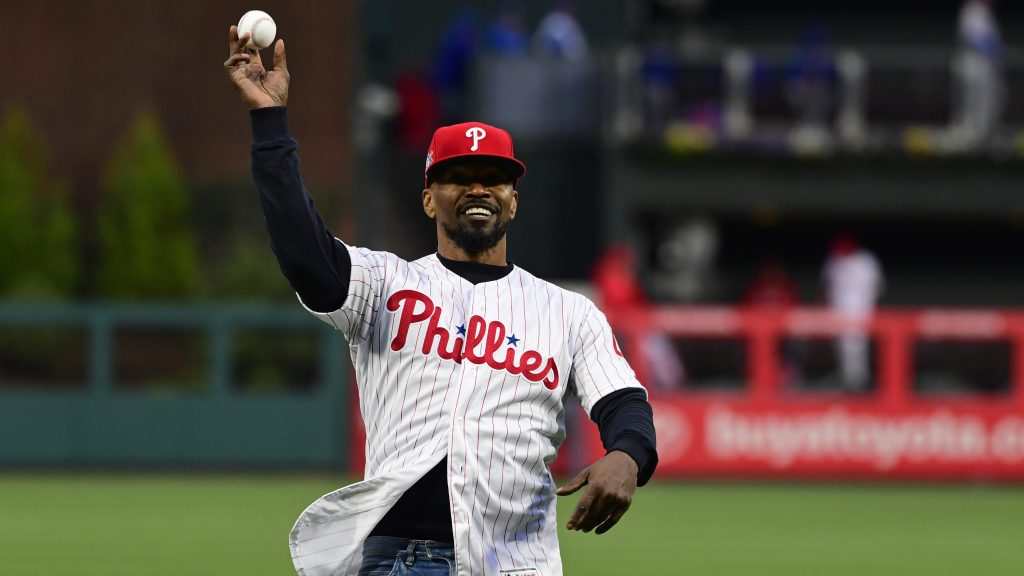 promo code b7f77 a0736 Jamie Foxx pitches in, joins MLB s efforts to celebrate Jackie Robinson Day