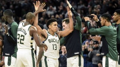 NBA: San Antonio Spurs at Milwaukee Bucks