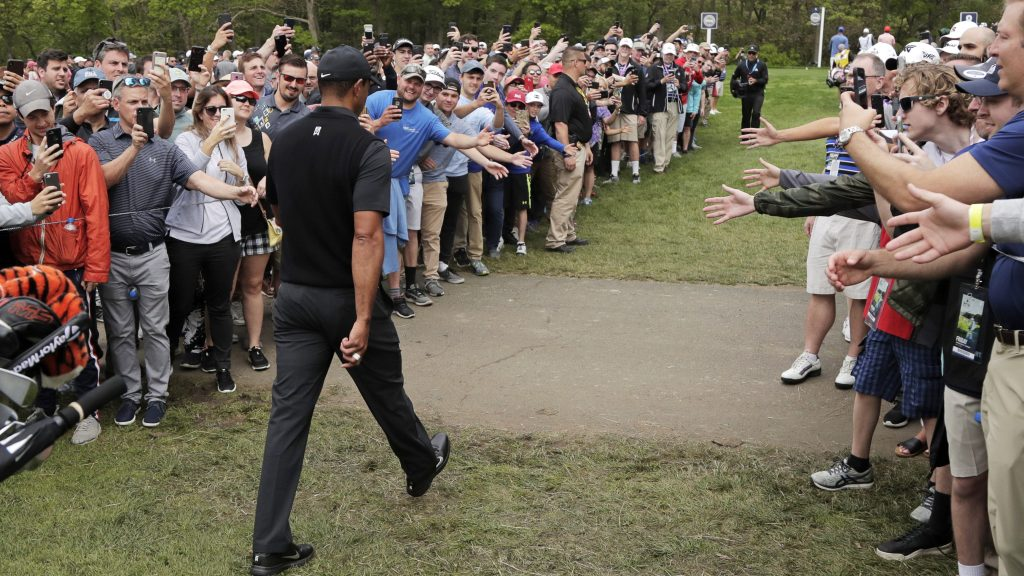 There Were No Miracles For Tiger But The Crowds Still Worship Him