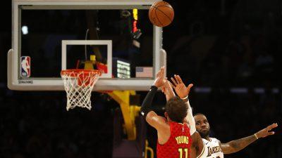 Atlanta Hawks v Los Angeles Lakers