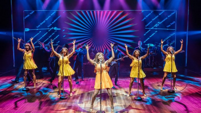 [TTM SetUp-] Adrienne Warren and the cast of TINA – THE TINA TURNER MUSICAL, Photo by Manuel Harlan, 2019_Fotor