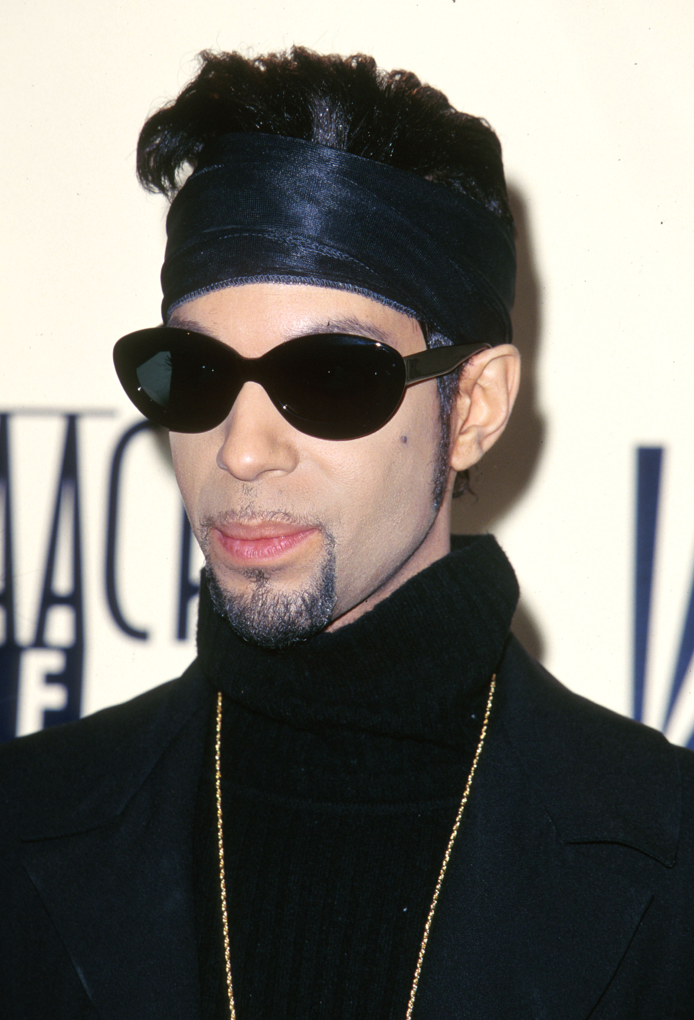 Prince-1997-NAACP-Image-Awards.jpg