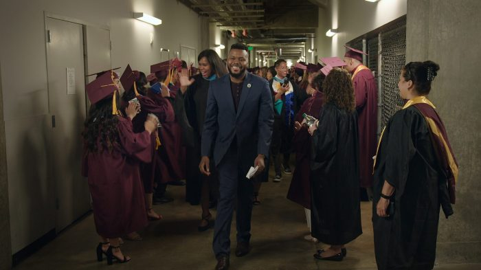 mayor-michael-tubbs-with-graduating-high-school-students