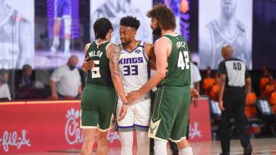 Milwaukee Bucks v Sacramento Kings