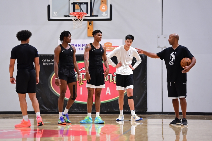 How to be a pro': Brian Shaw is coaching elite NBA prospects through a  pandemic