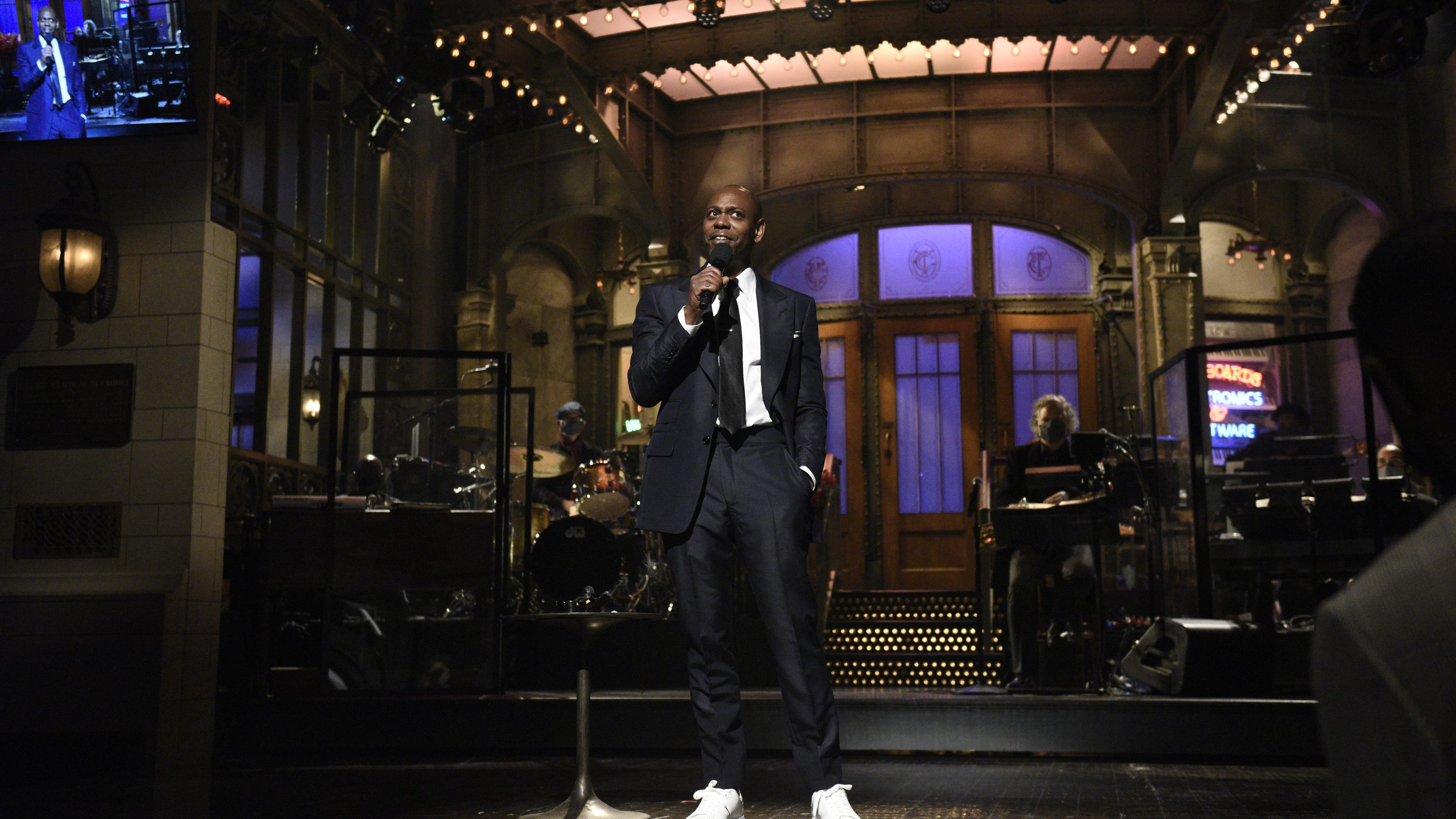 laughter wasn t the point of dave chappelle s saturday night live performance laughter wasn t the point of dave