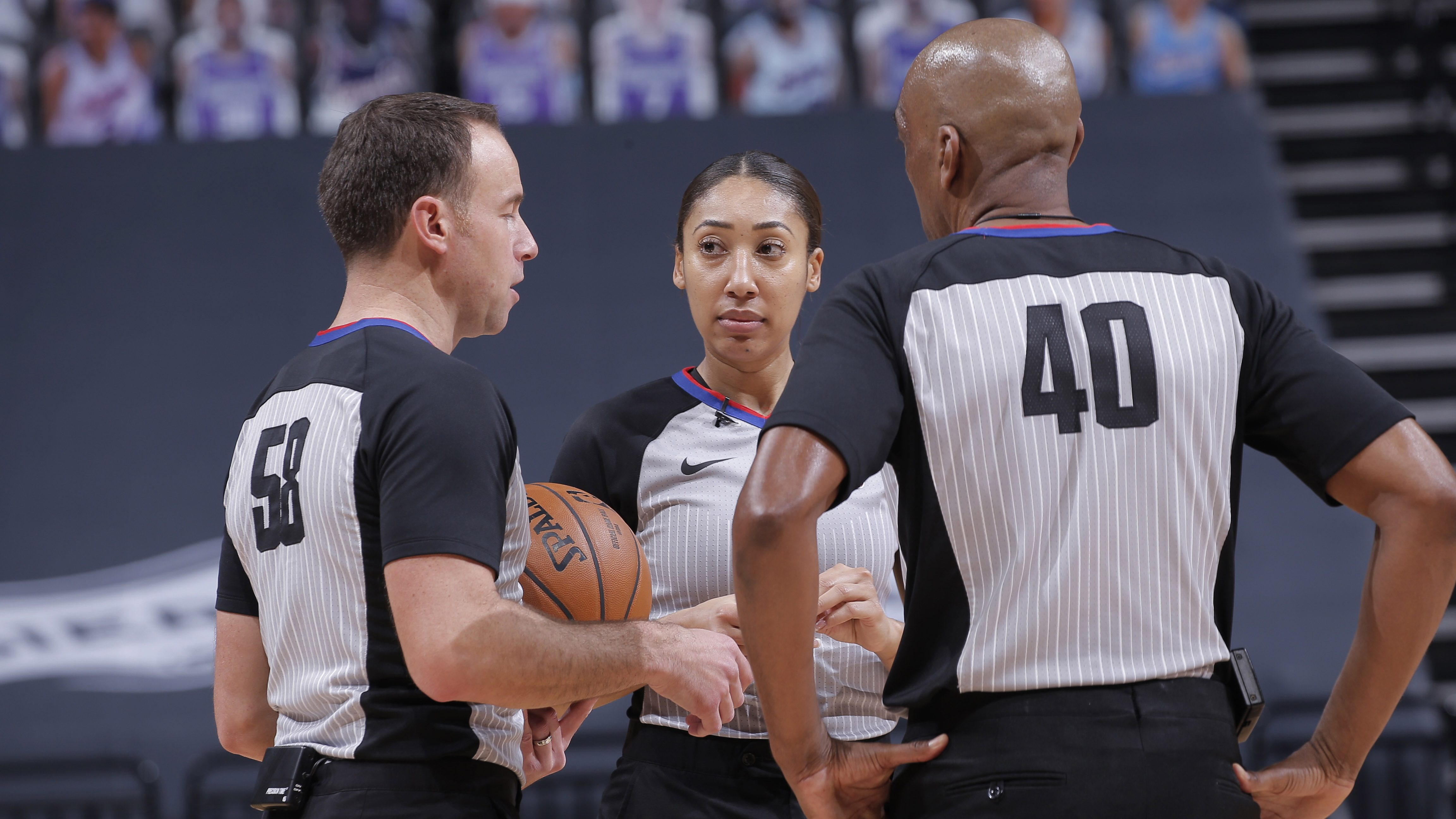 Simone Jelks From Women S Hoops Star To Nba Referee