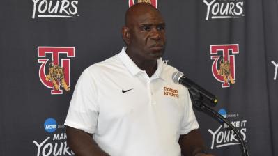 Tuskegee head football coach Willie Slater